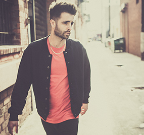 LA Producer, singer and songwriter, Zak Waters plays at Audio